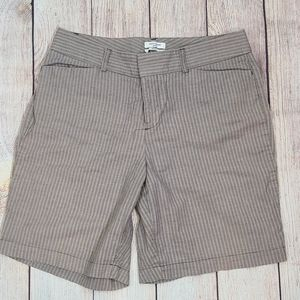 Dockers Ideal fit shorts. 8P. B3